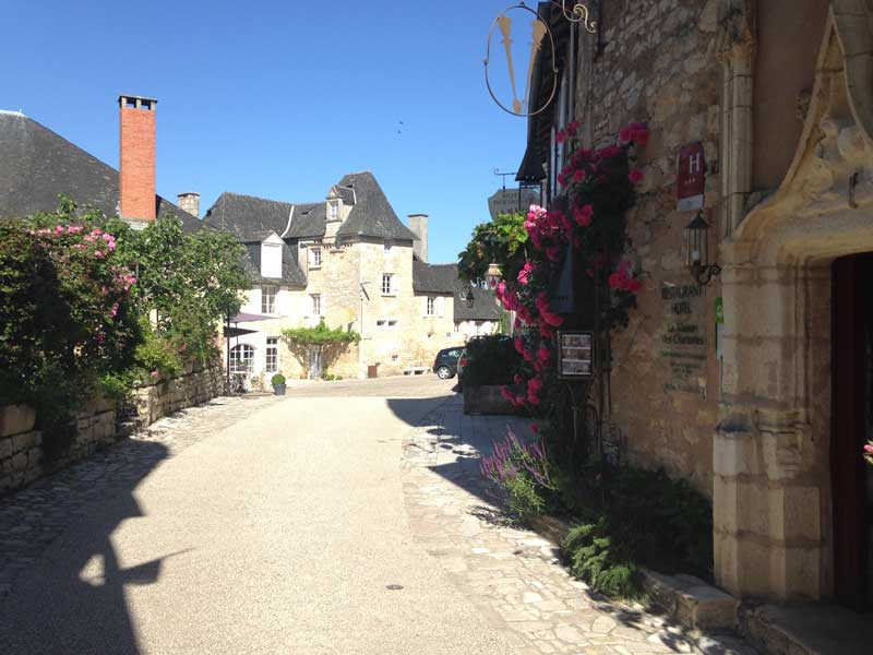 walking tour Quercy France