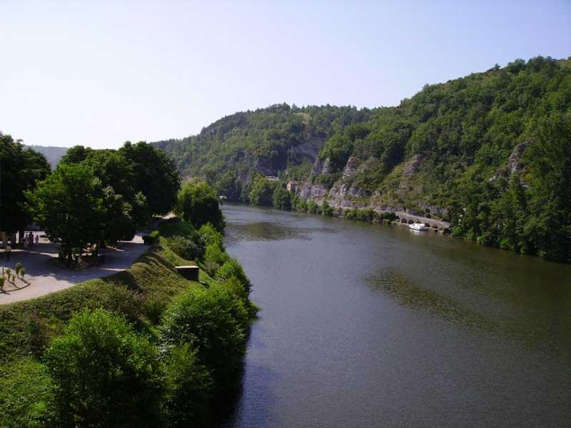 French riverside walking routes